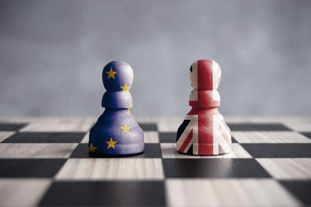 Bild von Schachfiguren zu Brexit-Konsequenzen für die britische Vermögensverwaltungsbranche