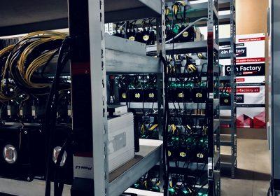 Bild der Mining Farm von Coin Factory