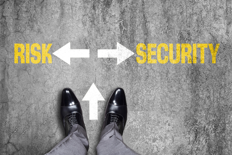 Grafik die Mensch zwischen Risiko und Sicherheit zeigt als Metapher für die neue Risikokultur im Hyperfinance