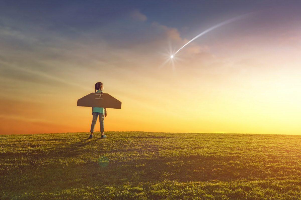 Quartier Zukunft, Mädchen spielt Astronaut