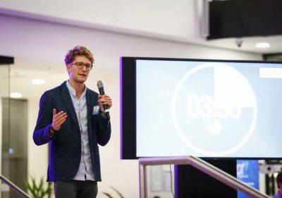 Xaver Lehmann, Co-Founder und Geschäftsführer von e-bot7 – effizienterer Kundenservice durch KI