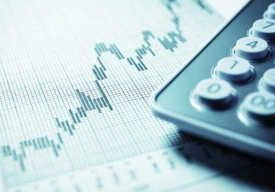 Taschenrechner Closeup als Metapher für Private Banking Österreich 2018