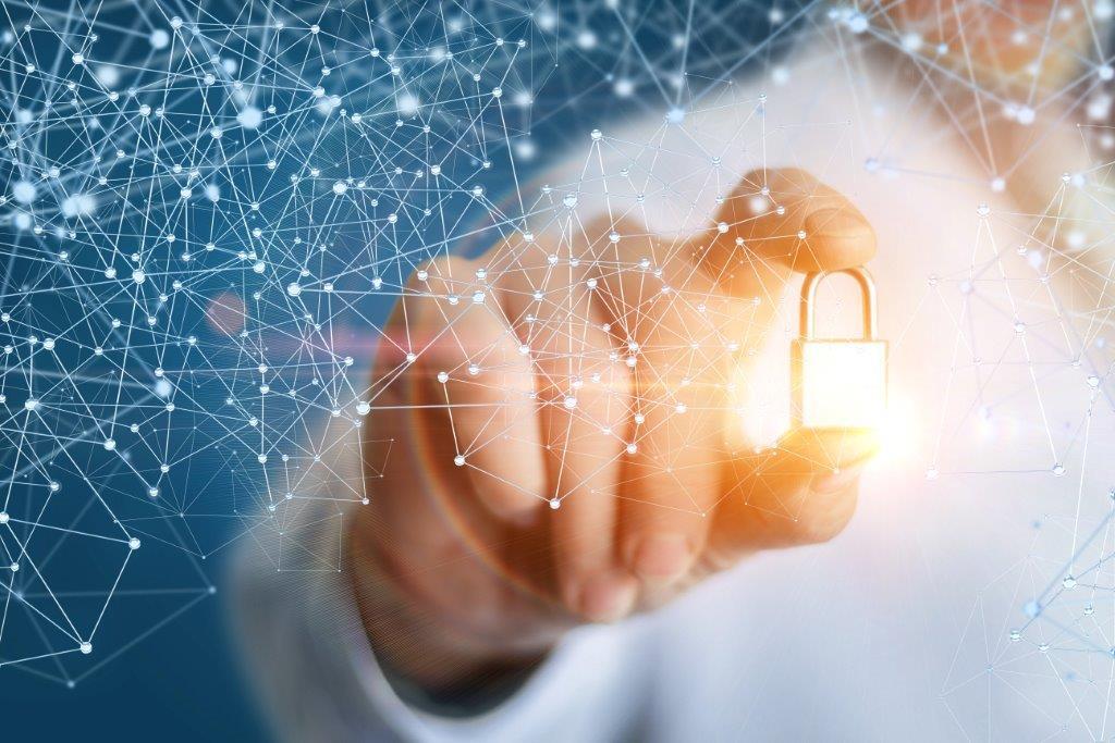 Sicherheitszeichen als Metapher für Cybersicherheit / TIBER-EU – simulierte Cyberangriffe zum Test der Widerstandsfähigkeit