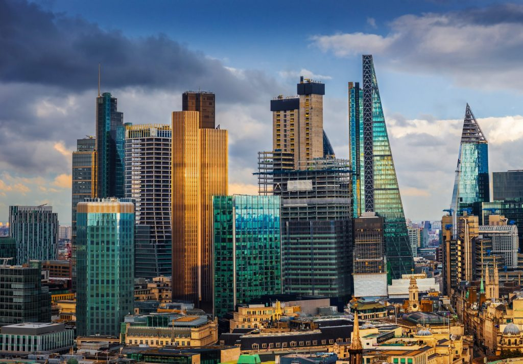 London Skyline in zeb.market flash (Issue 28 – Januar 2019)
