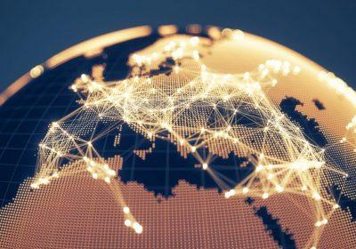 Abstrakter Goldener Globus mit Lichtern und Netzwerken als Metapher für das Downloadportal HubPlus