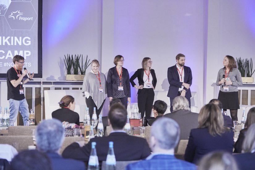 Martin Kulik präsentiert die Design Thinking Challenge auf der Hamburg Aviation Conference 2019_BankingHub