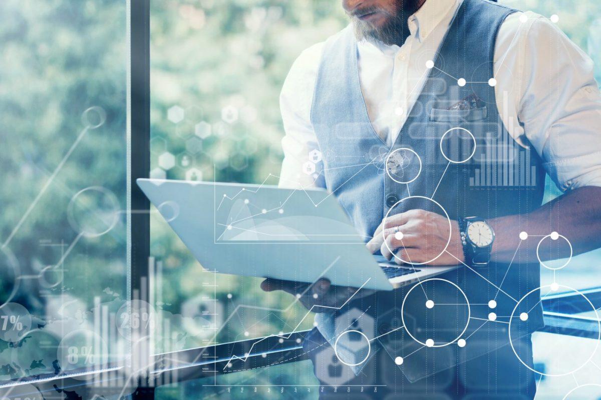 Bild eines Geschäftsmannes zu Prozessmanagement in mittelständischen Banken / BankingHub