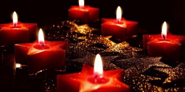 Bild sechs Kerzen zum Jahresrückblick - Top-Artikel - BankingHub 2019