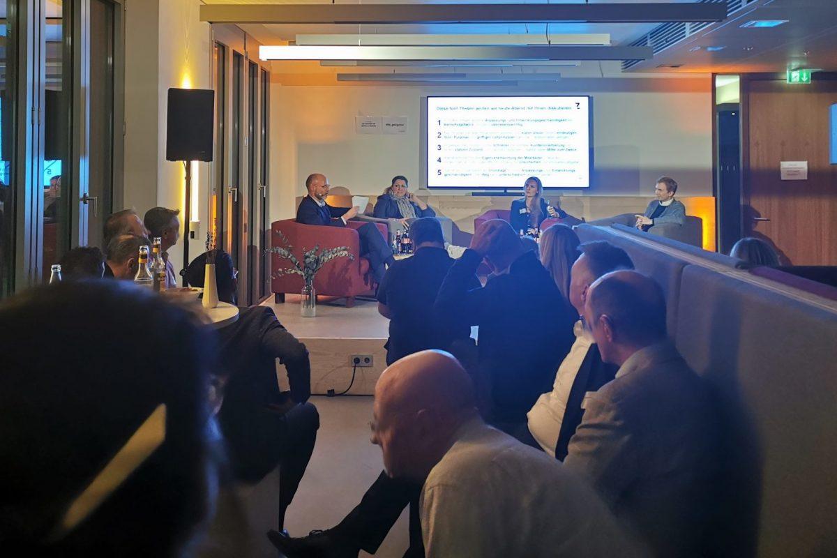 Speaker des 9. Get Togethers: Heinrich (CTO, creditshelf), Munnikhof (Business Manager to CEO, ING), Pütz (Head of Customer Experience, Deutsche Bank) / BankingHub