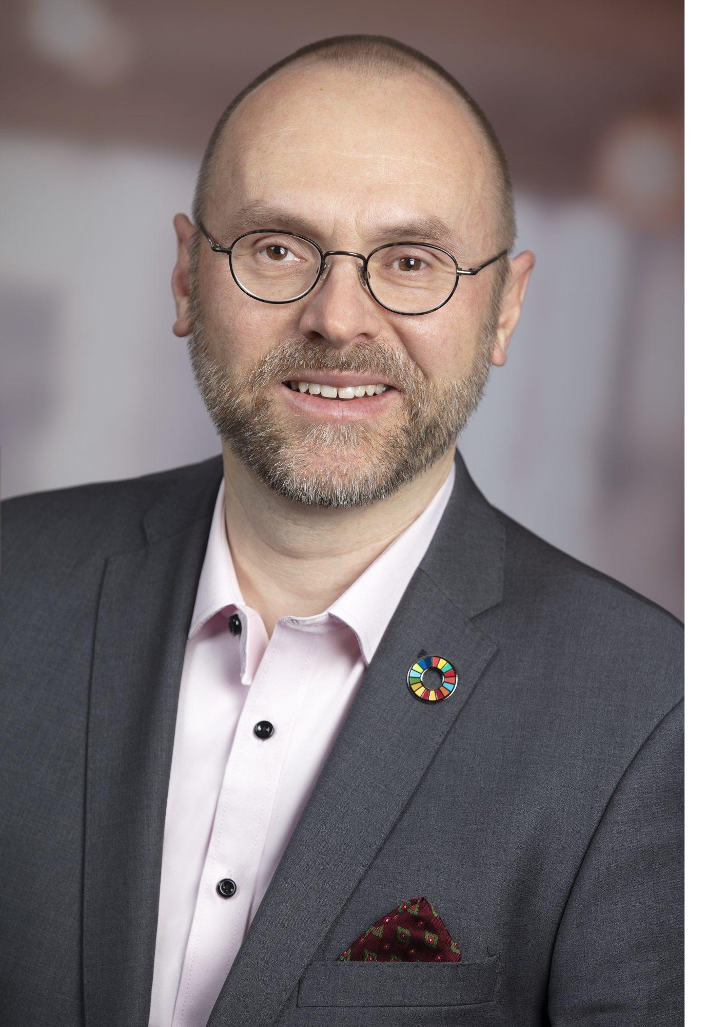 Frank Huttel, Leiter Portfolio Management und Mitinitiator von vividam_Interview mit Robo Advisor vividam / Robo Advisory Markt 2020