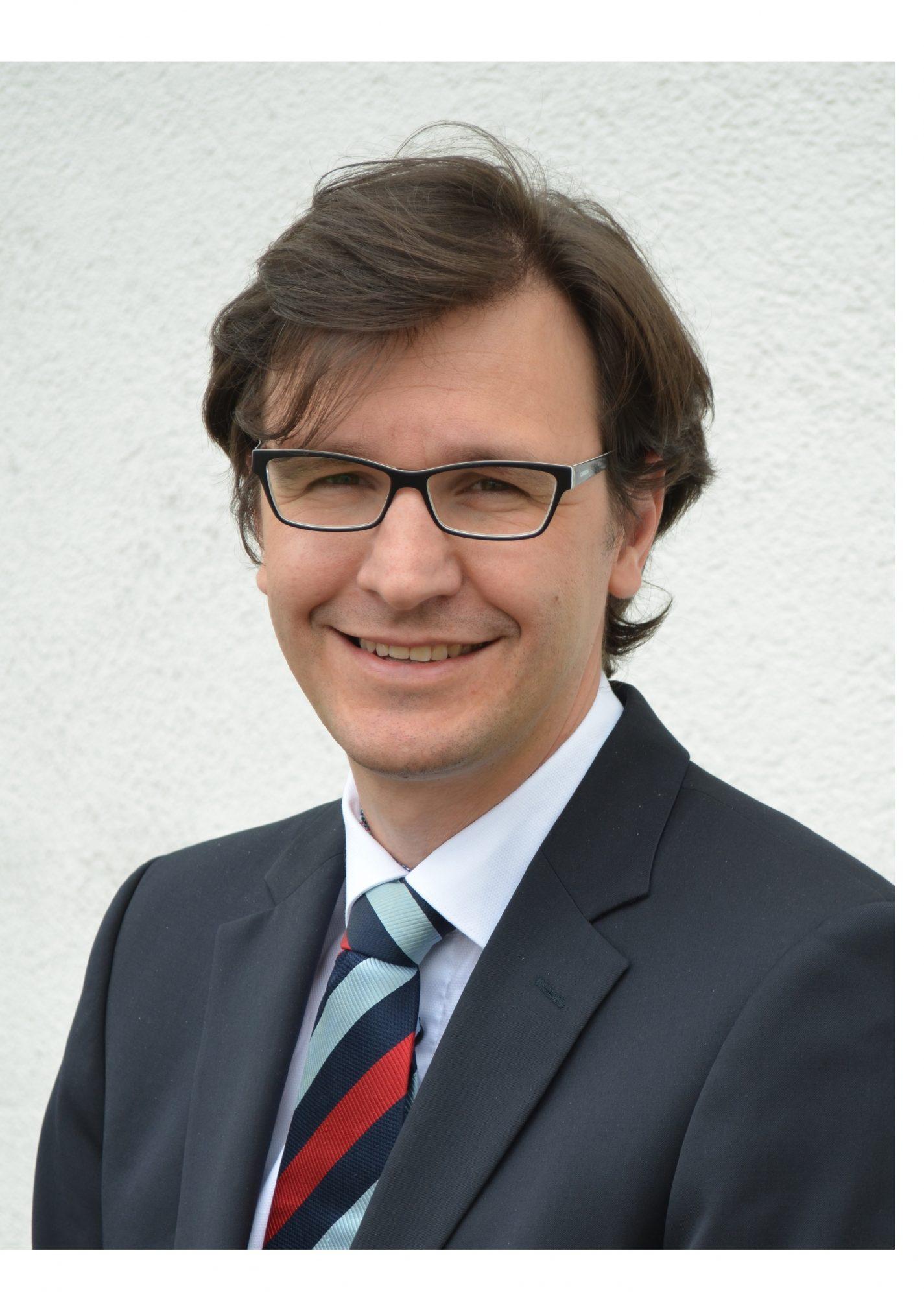 Timur Peters, Gründer und CEO von Debitos im Interview zum Thema Plattform im Kredithandel - Portfoliomanagement