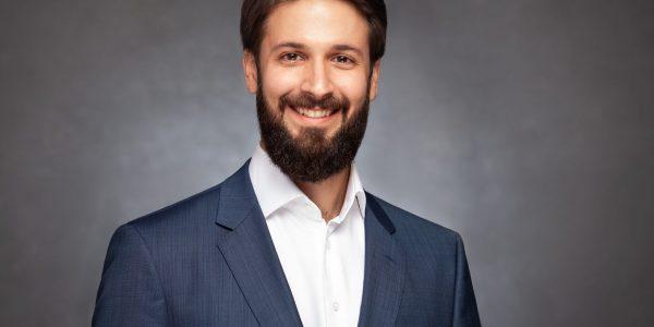 """Andreas Schindler, Founder und CEO von Deep Neuron Lab im Interview zu """"Künstliche Intelligenz bei der Kreditvergabe"""""""