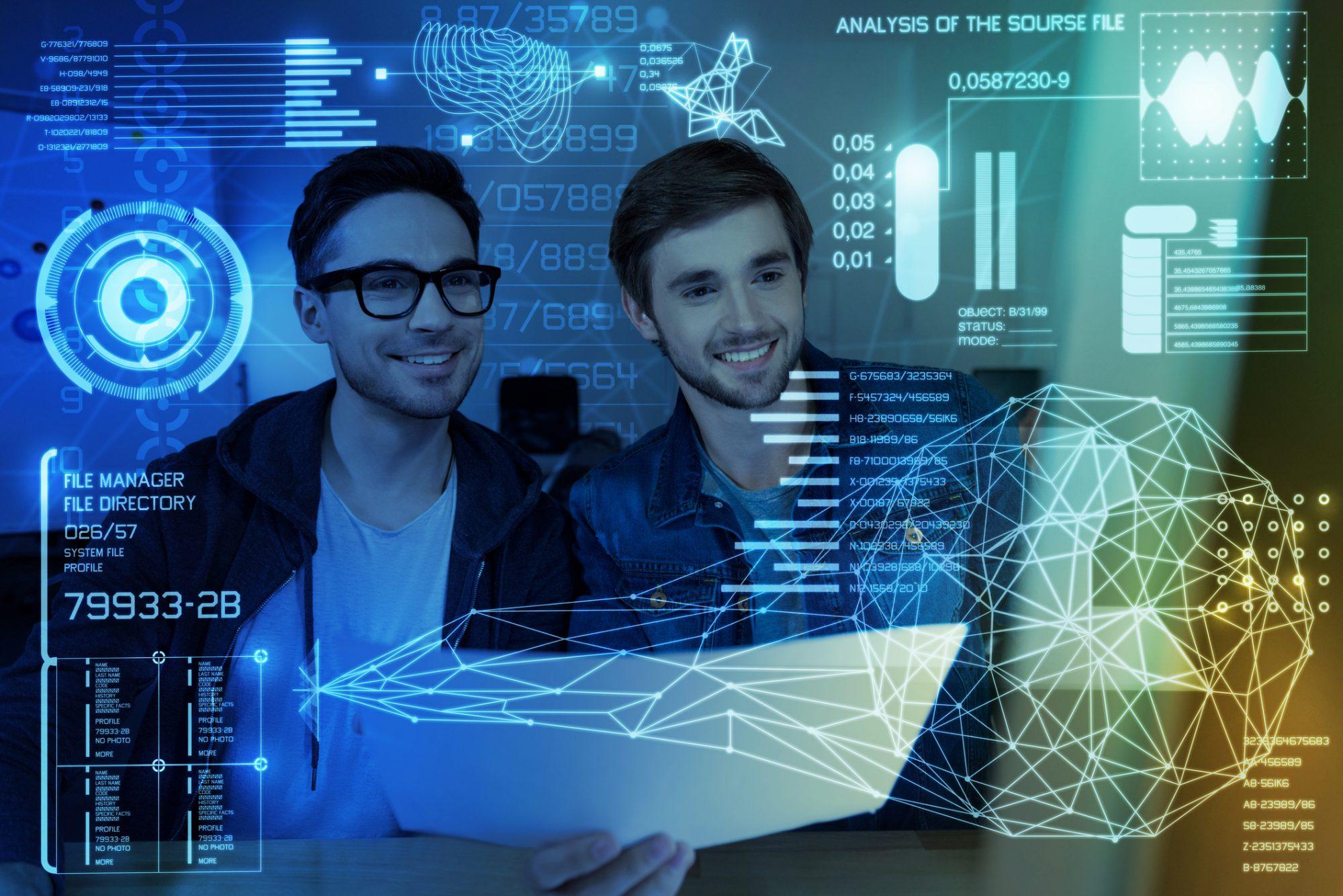 Bankmitarbeiter blicken auf Prozesscontrolling Cockpit als Sinnbild für den kontinuierlichen Verbesserungsprozess in der Prozessüberwachung